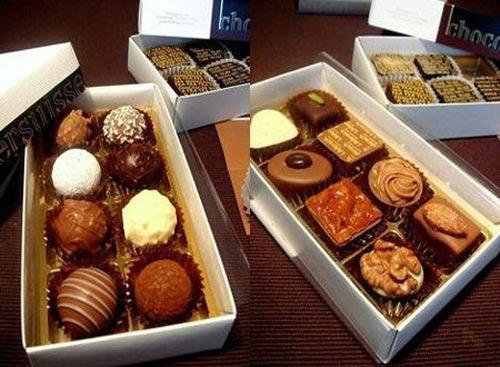 夹心巧克力或者巧克力蛋糕
