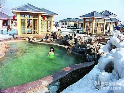 度假,房产开发,物业管理为一体的高档旅游度假区